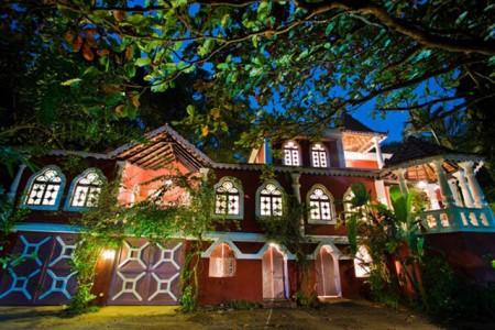 An elegant Portuguese villa in Candolim- Villa