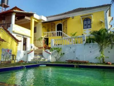 Windchimes goan home- Pool view
